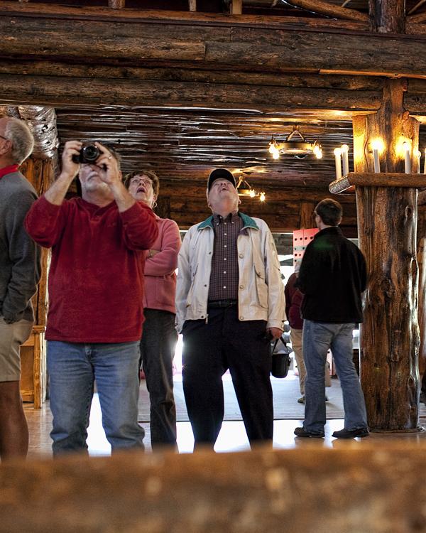 Yellowstone 091210 OldFaithfulLodge 10