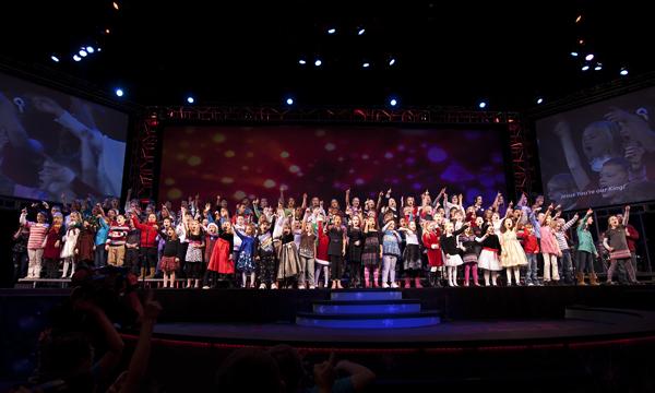 GROUP 121910 KidsChristmasGCC 3 blog