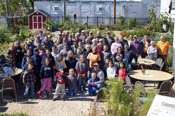 747 Volunteers 100111 Lunch  2 blog
