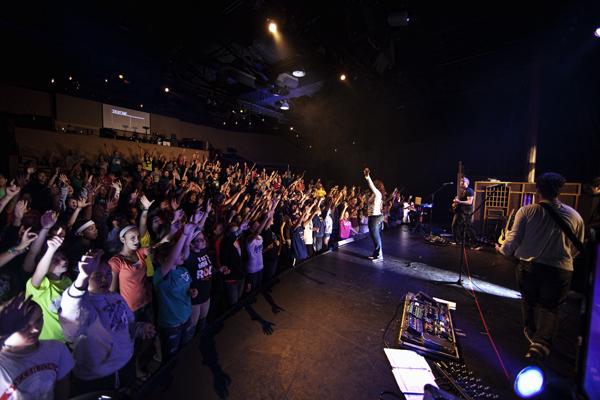 1 Fri AM Worship 061711 Singing  1 blog