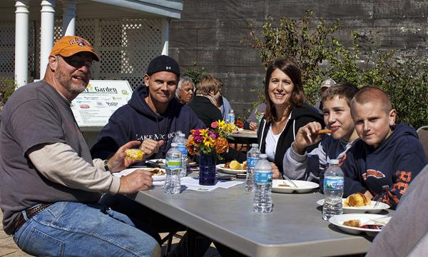 747 Volunteers 100111 Volunteers  3b blog