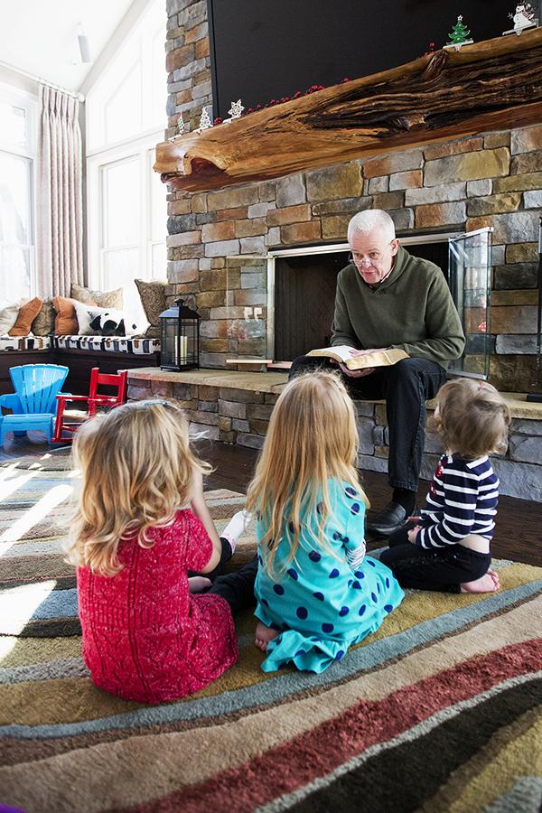 Papa ChristmasStory 122813 Kids 1c blog
