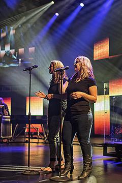 Singers 083114 GCC  1 240